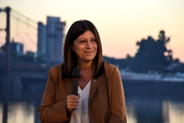 """Clara García consideró que es """"urgente un acuerdo estratégico santafesino sobre la Hidrovía"""""""