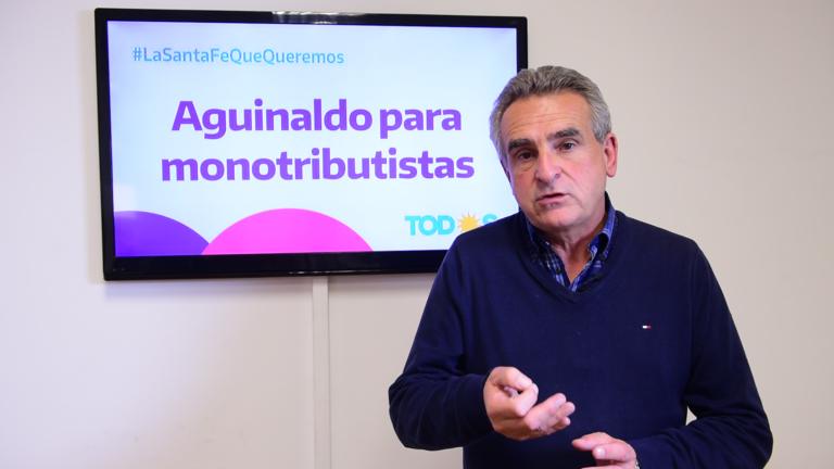 En campaña: Rossi propuso un proyecto de aguinaldo para monotributistas
